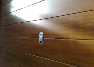portone sezionale in legno